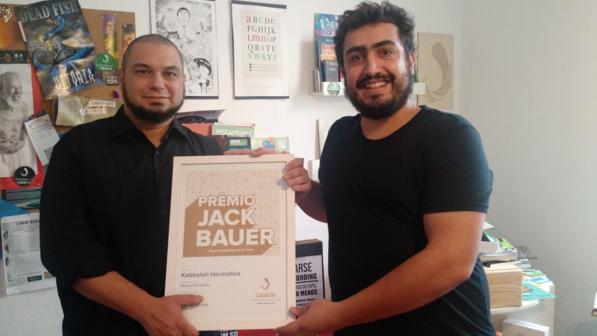 O Prêmio Jack Bauer entregue Del Debiio