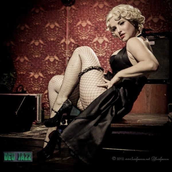 the burlesque takeover catarse