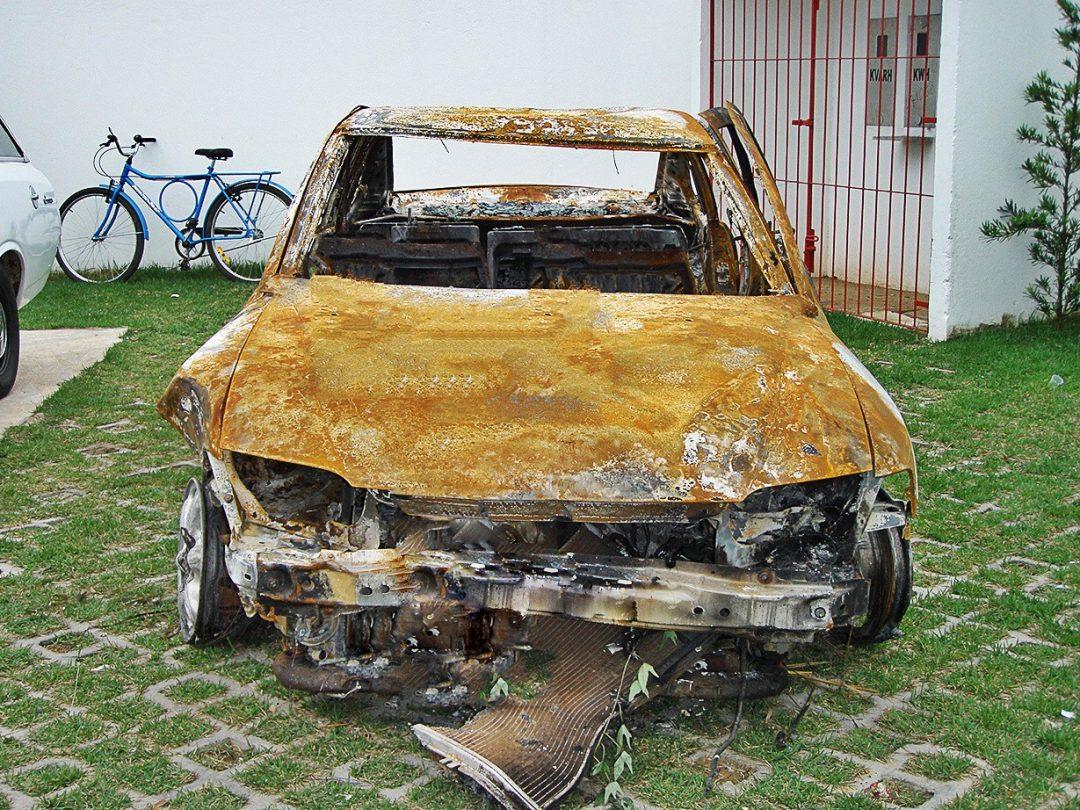 Vectra que explodiu em 8 de maio de 2009, na rodovia ES-060, no Espírito Santo